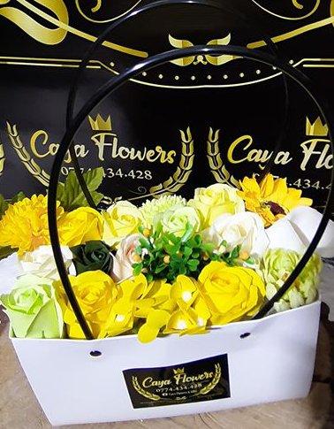 Cadou flori de sapun tip sacosa – Galben