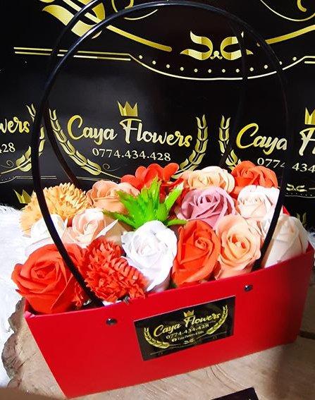 Cadou flori de sapun tip sacosa – Rosu